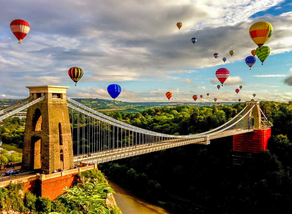 THE ESSENTIAL GUIDE TO BUYING GIFTS IN AND AROUND BRISTOL